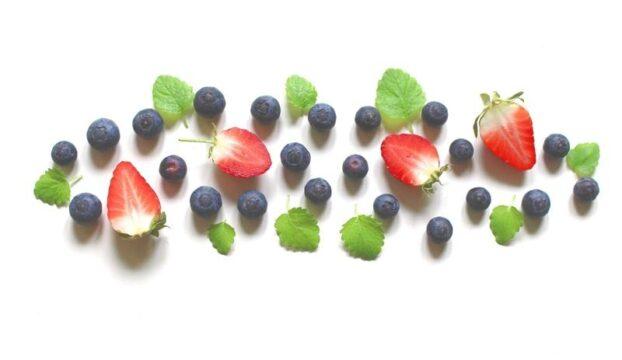 fresas y arandano